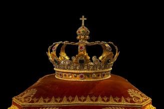 crown-759296_1920