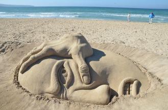 sand-beach-812689_1280