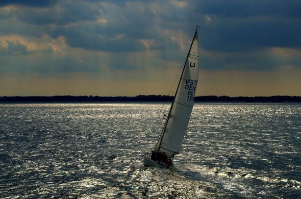 sail-1238055_1280