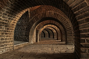 vaulted-cellar-247391_1280