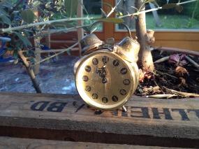 alarm-clock-1375406_1280