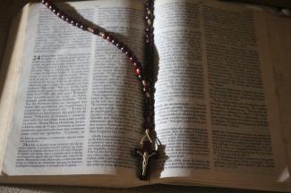 bible-700353_1280