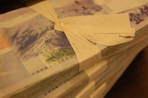 money-880802_1280