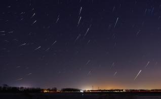 star-tracks-1247850_1280