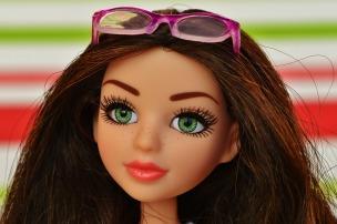 doll-1269347_1280