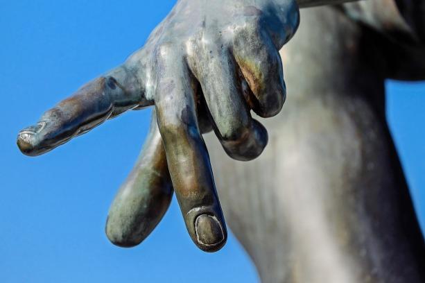 finger-1697331_1280