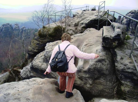 climb-mountain-1434315_1280