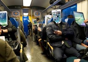 cozy-in-the-train-1466297_1280