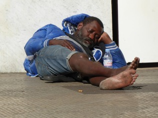 homeless-1760274_1280