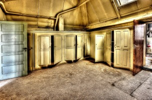 cabinets-426385_1280