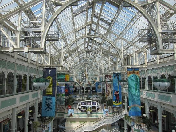 shopping-mall-1659089_1280