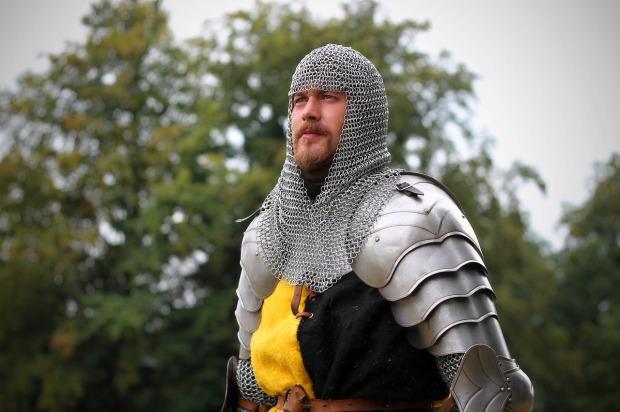 knight-1947419_1280