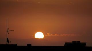 sun-2106955_1280