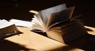 book-2265490_1280
