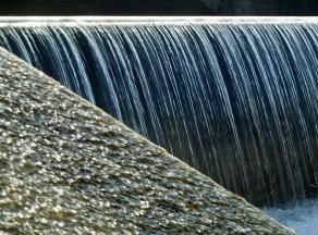 waterfall-77676_1280