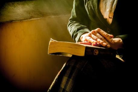 book-1421097_1280
