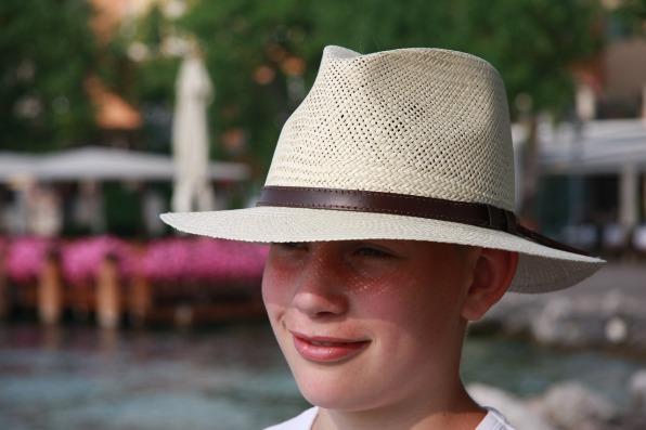 hat-1278834_1280