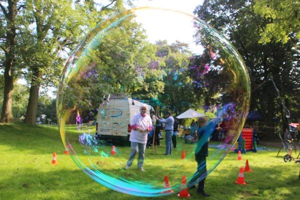 soap-bubbles-937270_1280