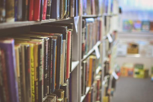 library-2607146_1280