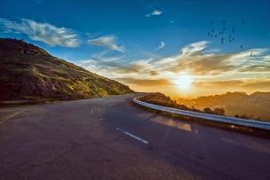 mountain-road-1556177_1280