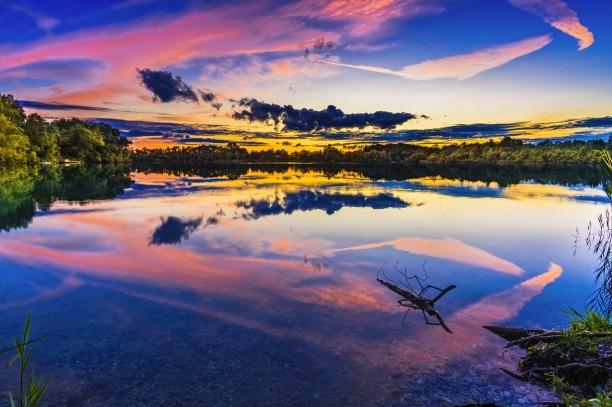 lake-2763432_1280