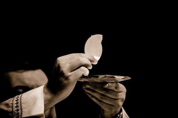 eucharist-1591663_1280