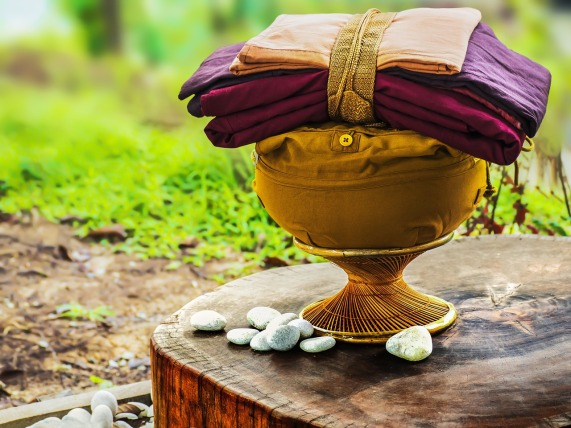 theravada-buddhism-1908610_1280